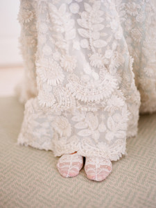 gorgeous-vintage-lace-wedding-long-dresses
